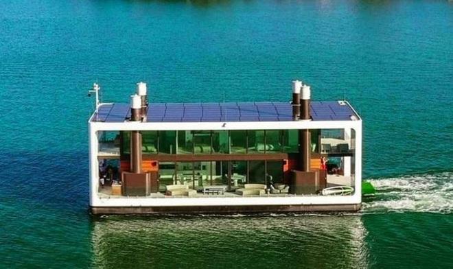 Ngắm biệt thự siêu sang dưới thân hình một du thuyền trên biển có giá lên tới 5,5 triệu USD - Ảnh 1.
