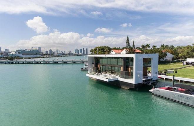 Ngắm biệt thự siêu sang dưới thân hình một du thuyền trên biển có giá lên tới 5,5 triệu USD - Ảnh 5.