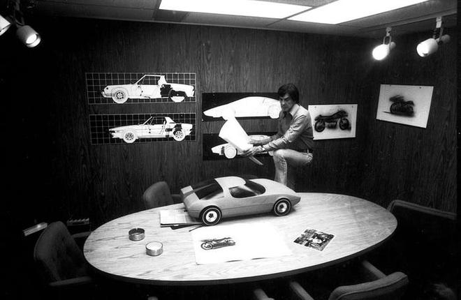 Trước Tesla Cybertruck, chỉ có duy nhất 1 chiếc xế hộp bọc thép không gỉ, được sản xuất từ tận năm 1983 - Ảnh 11.