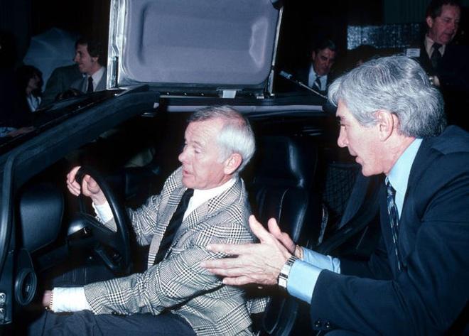 Trước Tesla Cybertruck, chỉ có duy nhất 1 chiếc xế hộp bọc thép không gỉ, được sản xuất từ tận năm 1983 - Ảnh 15.