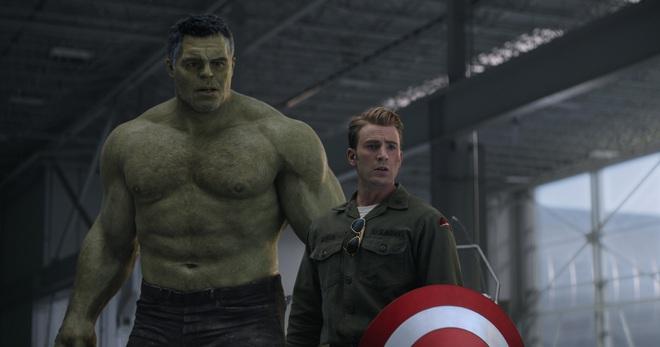 Người khổng lồ xanh Mark Ruffalo: Đóng phim siêu anh hùng nhiều lúc cũng xấu hổ lắm chứ bộ - Ảnh 1.