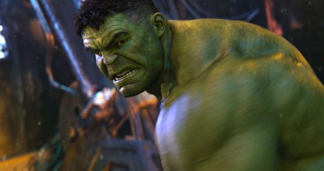 Người khổng lồ xanh Mark Ruffalo: Đóng phim siêu anh hùng nhiều lúc cũng xấu hổ lắm chứ bộ - Ảnh 3.