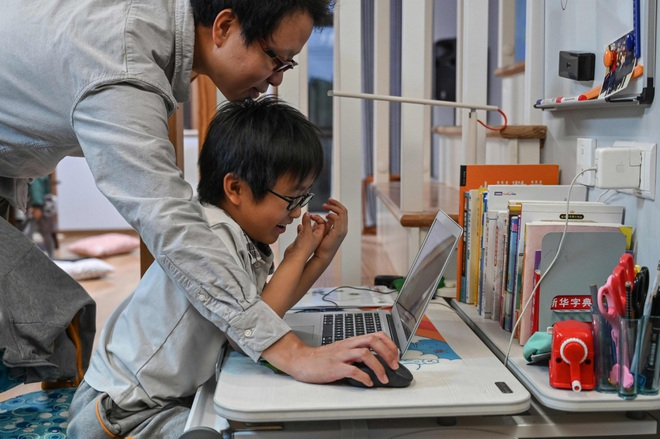 Lên trang livestream anime lớn nhất Trung Quốc để dạy lập trình, streamer 8 tuổi thu hút cả triệu view chỉ sau 3 tháng hoạt động - Ảnh 1.