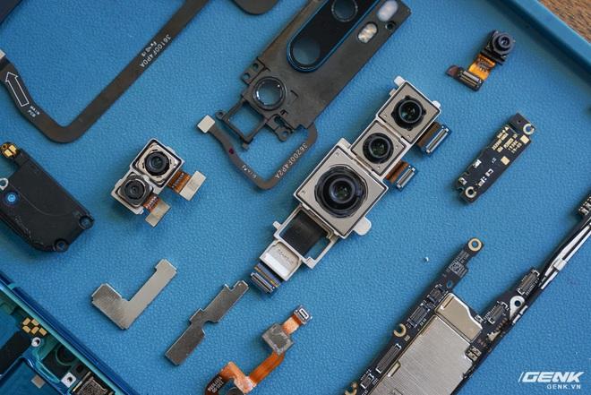 Mổ bụng Xiaomi Mi Note 10: Viên pin chiếm hơn phân nửa diện tích nội thất, cụm camera 108 MP khá to, cảm biến vân tay dưới màn hình rất mỏng - Ảnh 7.