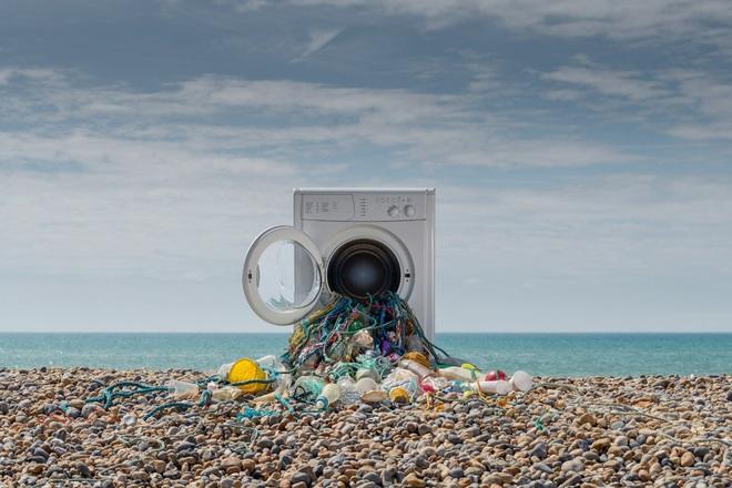 Ngả mũ trước công nghệ của người Nhật: Lọc rác vi nhựa ngay từ ống cống từng nhà - Ảnh 1.