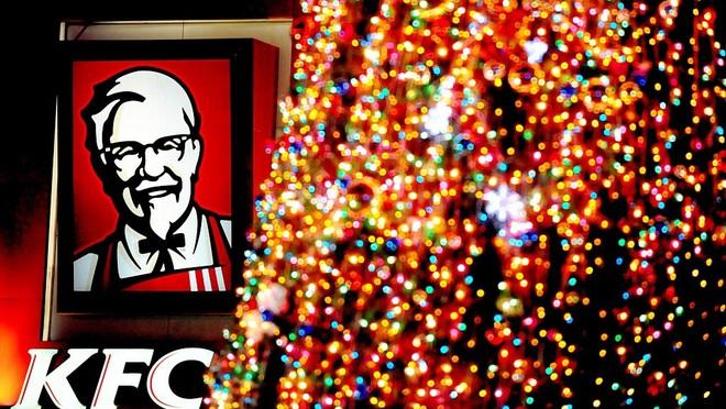 Tại sao người Nhật lại chuộng ăn KFC vào dịp Giáng sinh? Nhờ một sáng kiến đúng thời điểm từ hàng chục năm về trước - Ảnh 6.
