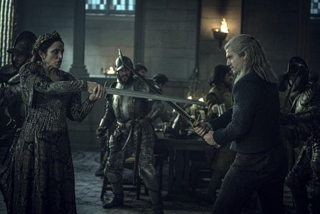 The Witcher lên sóng: Hay dở tùy cảm nhận, nhưng ai cũng phải đồng ý Henry Cavill nhập vai Geralt thì không thể chê vào đâu được - Ảnh 6.