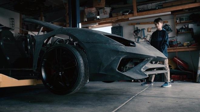 Tự chế siêu xe Lamborghini cho con bằng máy in 3D, ông bố được gửi tặng luôn một chiếc Aventador S mới cứng nhân dịp Giáng sinh - Ảnh 2.