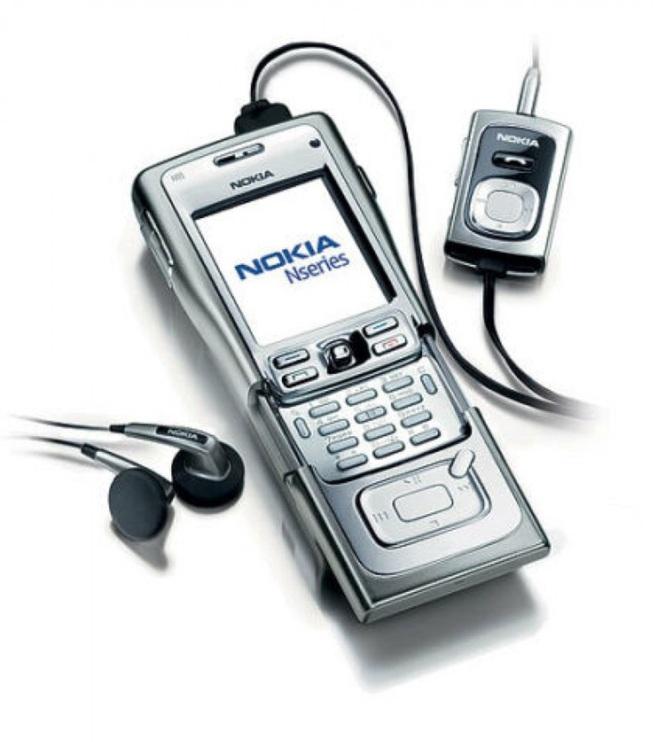 Nhìn lại Nokia N91: Điện thoại dân chơi lừng lẫy một thời - Ảnh 2.