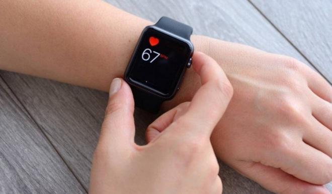 """Bác sỹ tim mạch kiện Apple """"ăn cắp"""" bằng sáng chế phát hiện nhịp tim bất thường, tính năng đã làm lên thương hiệu của Apple Watch - Ảnh 1."""