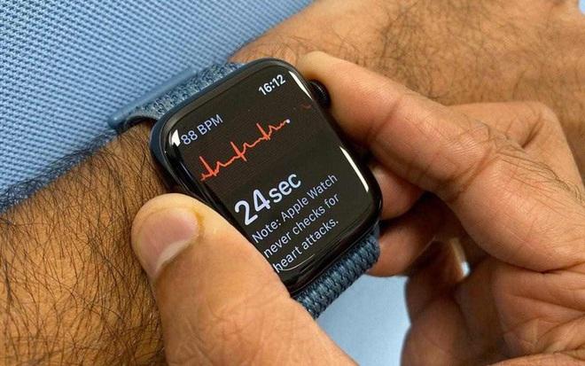 """Bác sỹ tim mạch kiện Apple """"ăn cắp"""" bằng sáng chế phát hiện nhịp tim bất thường, tính năng đã làm lên thương hiệu của Apple Watch - Ảnh 2."""