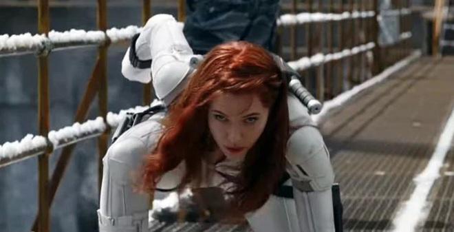 Fan Marvel phát cuồng sau trailer Black Widow: Góa phụ đen đổi gió mặc đồ trắng kìa bà con ơi! - Ảnh 1.