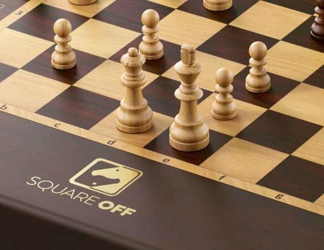 Bàn cờ vua ma thuật tự di chuyển trong Harry Potter đã trở thành sự thật, cho phép mọi người chơi online với nhau - Ảnh 2.
