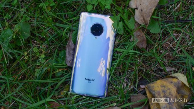 Apple từng vác cả cái bếp điện lên iPhone 11 Pro thì có gì lạ đâu khi camera của Samsung Galaxy S11+ trông như thế này - Ảnh 7.