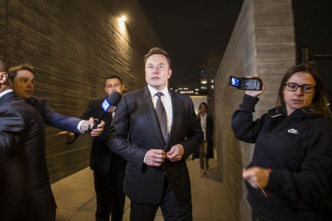 Elon Musk thoát án bồi thường 190 triệu USD nhưng vừa nhận một bài học về cách phát ngôn trên mạng xã hội - Ảnh 1.