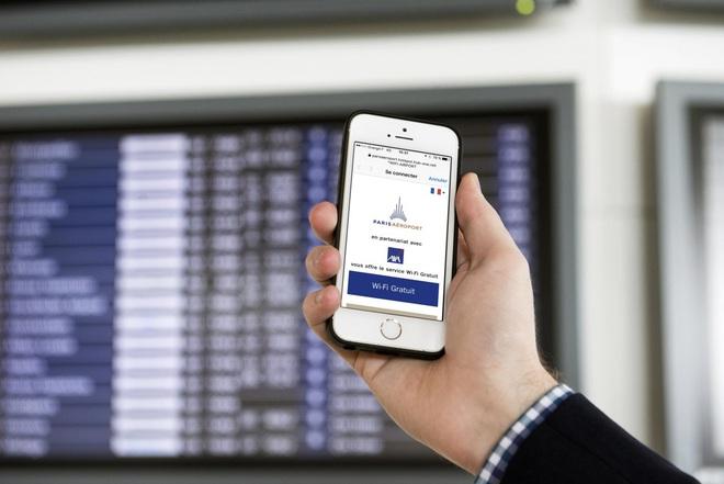 Làm gì khi iPhone báo đã kết nối vào mạng Wi-Fi miễn phí (không mật khẩu) nhưng không truy cập được Internet? - Ảnh 1.