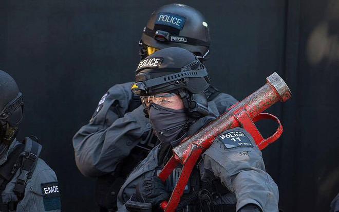 Cảnh sát đặc nhiệm chống khủng bố London được trang bị những loại vũ khí gì? - Ảnh 14.