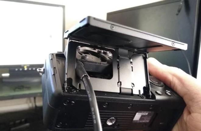 Sáng tạo bất đắc dĩ: Chế quạt tản nhiệt để chống nóng cho máy ảnh Sony - Ảnh 5.