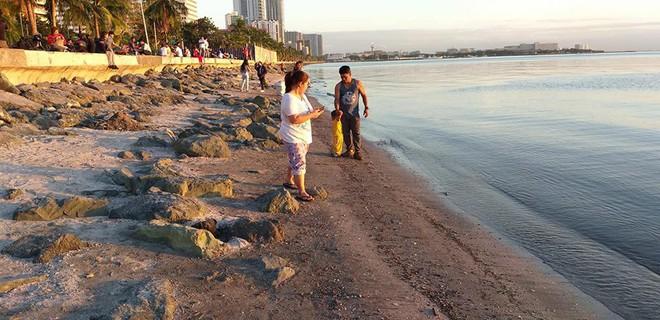 Tin tốt đầu năm mới: 5000 TNV chung tay dọn sạch 45 tấn rác để trả lại vẻ đẹp vốn có của vịnh Manila sau hàng chục năm ô nhiễm - Ảnh 8.