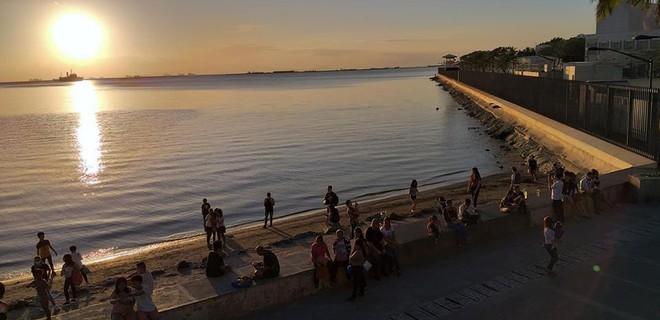 Tin tốt đầu năm mới: 5000 TNV chung tay dọn sạch 45 tấn rác để trả lại vẻ đẹp vốn có của vịnh Manila sau hàng chục năm ô nhiễm - Ảnh 10.