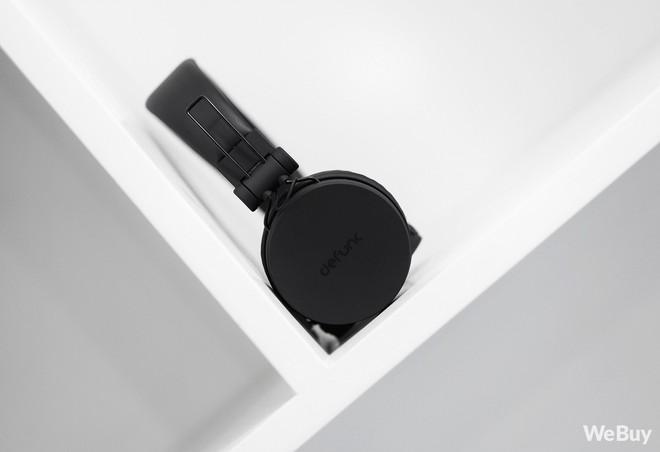 """Săn sale đầu năm, """"vớ"""" ngay được tai nghe Bluetooth thương hiệu Châu Âu chất lượng khá ổn, pin nghe cả tuần mà giá thì siêu mềm mịn! - Ảnh 2."""