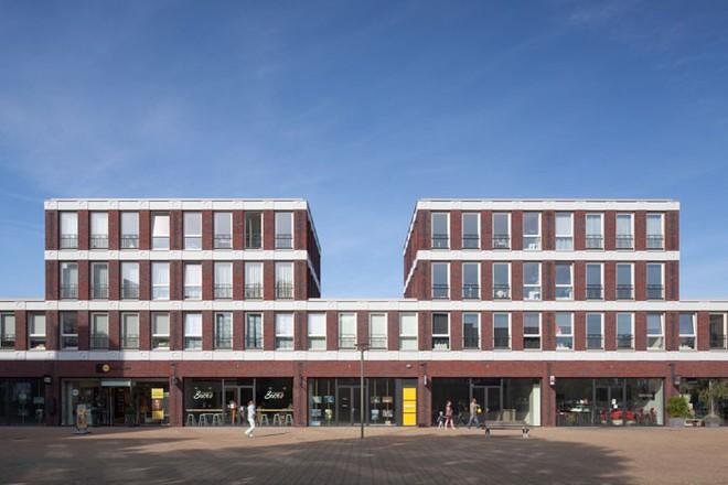Tòa nhà độc đáo được trang trí ngoại thất bằng 22 biểu tượng emoji tại Hà Lan - Ảnh 12.