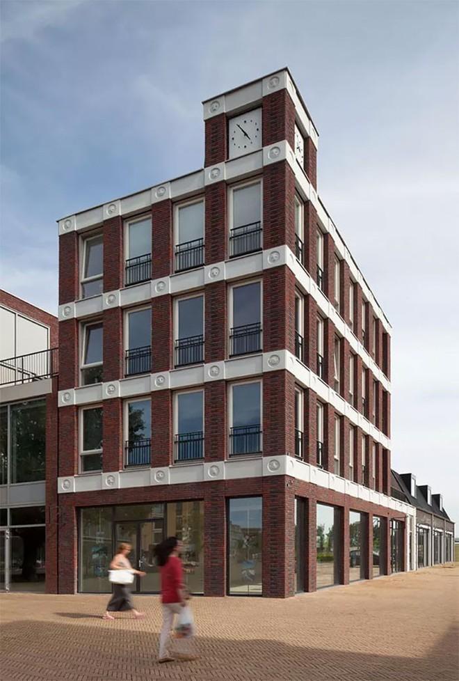 Tòa nhà độc đáo được trang trí ngoại thất bằng 22 biểu tượng emoji tại Hà Lan - Ảnh 5.