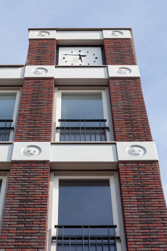 Tòa nhà độc đáo được trang trí ngoại thất bằng 22 biểu tượng emoji tại Hà Lan - Ảnh 8.