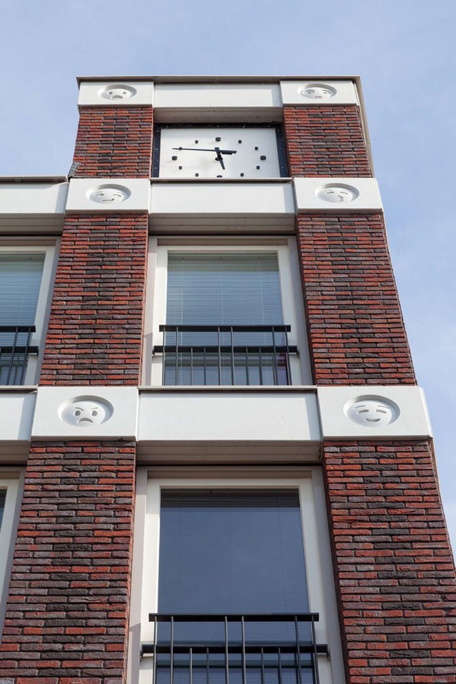 Tòa nhà độc đáo được trang trí ngoại thất bằng 22 biểu tượng emoji tại Hà Lan - Ảnh 9.