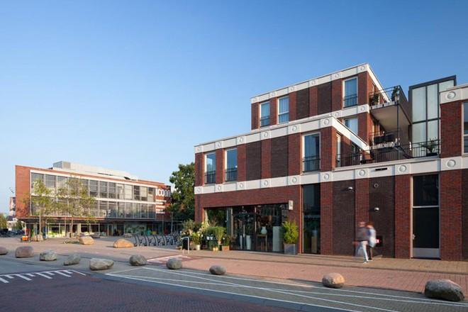 Tòa nhà độc đáo được trang trí ngoại thất bằng 22 biểu tượng emoji tại Hà Lan - Ảnh 10.