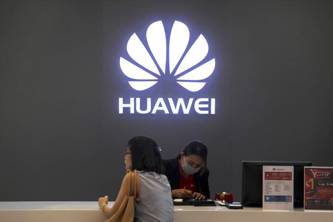 Nhân lúc Huawei gặp khó, Samsung mạnh tay đầu tư cho bộ phận hạ tầng 5G - Ảnh 2.