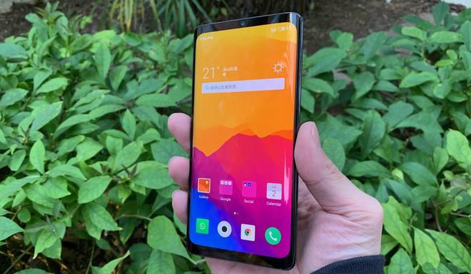 Cận cảnh Meizu Zero: vẫn có lỗ dù được mệnh danh là smartphone không lỗ đầu tiên trên thế giới - Ảnh 2.