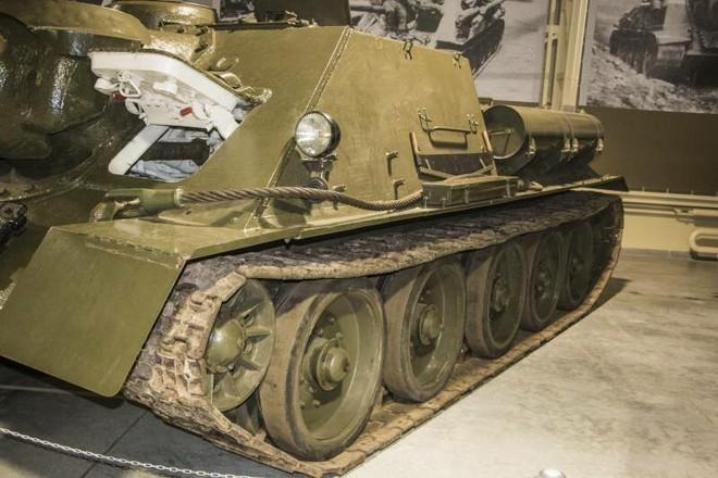 [Vietsub] Tìm hiểu về SU-100 - pháo tự hành chống tăng tốt nhất Thế chiến II mà đến giờ Việt Nam, Triều Tiên vẫn dùng - Ảnh 13.