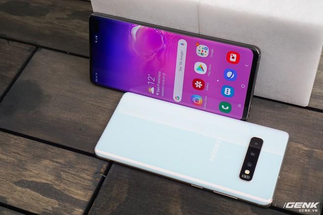 Trên tay Galaxy S10 và S10+: Bước ngoặt mới trong thiết kế smartphone - Ảnh 19.