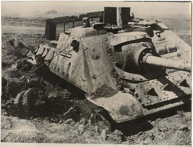 [Vietsub] Tìm hiểu về SU-100 - pháo tự hành chống tăng tốt nhất Thế chiến II mà đến giờ Việt Nam, Triều Tiên vẫn dùng - Ảnh 2.
