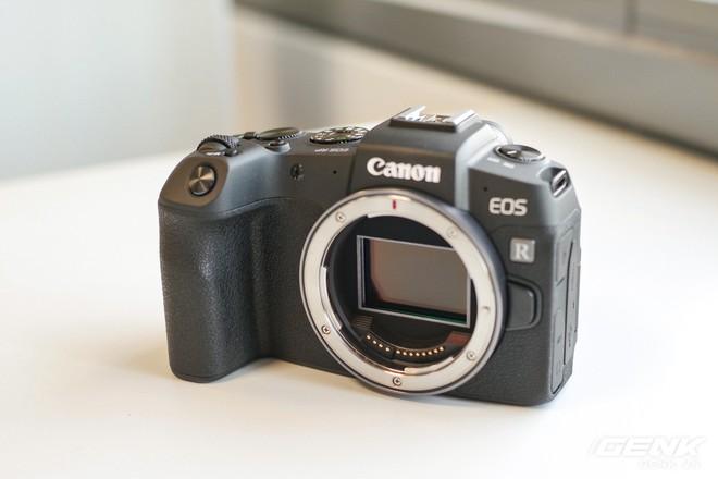 Canon chính thức ra mắt EOS RP: cảm biến full-frame, kích thước nhỏ gọn, giá 38 triệu đồng - Ảnh 9.