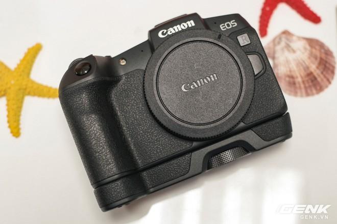 Canon chính thức ra mắt EOS RP: cảm biến full-frame, kích thước nhỏ gọn, giá 38 triệu đồng - Ảnh 4.