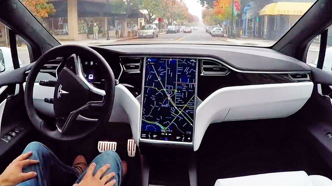 Elon Musk tuyên bố cuối năm 2020 xe Tesla sẽ có thể hoàn toàn tự lái - Ảnh 1.