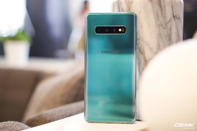 Samsung Galaxy S10 chính thức ra mắt: chọn đi con đường riêng nhưng là hướng bao người dùng mong đợi - Ảnh 9.