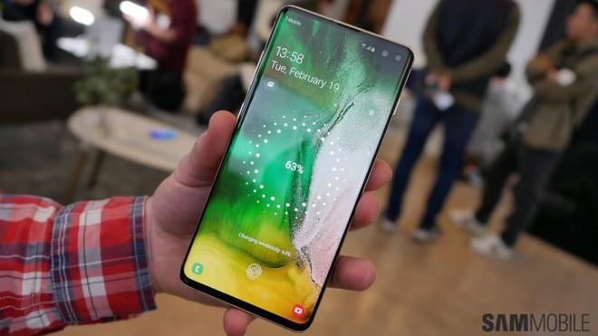 Samsung xác nhận Galaxy S10 sẽ có phụ kiện kính thực tế ảo Gear VR - Ảnh 1.