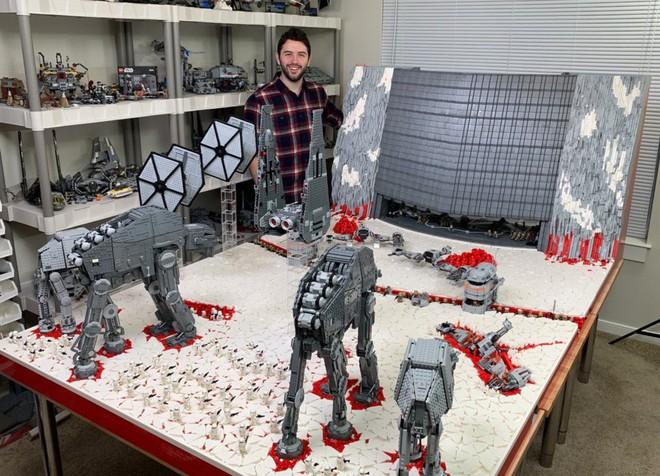 Hơn 100.000 mảnh LEGO được sử dụng để dựng nên mô hình trận chiến Crait trong Star Wars: The Last Jedi - Ảnh 2.