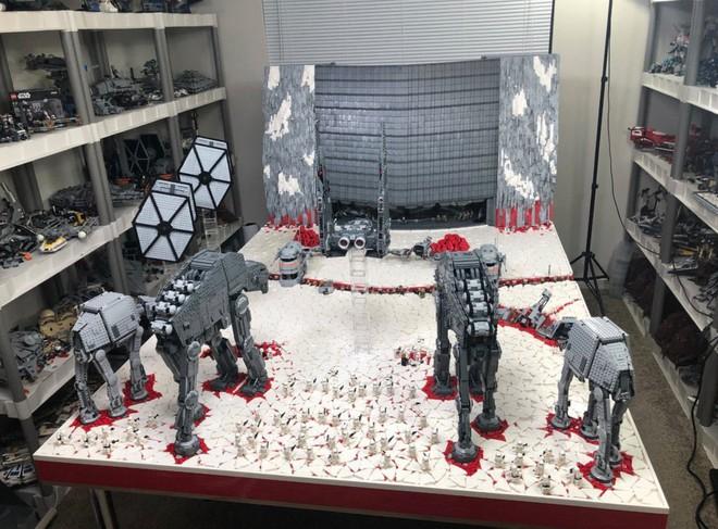 Hơn 100.000 mảnh LEGO được sử dụng để dựng nên mô hình trận chiến Crait trong Star Wars: The Last Jedi - Ảnh 4.