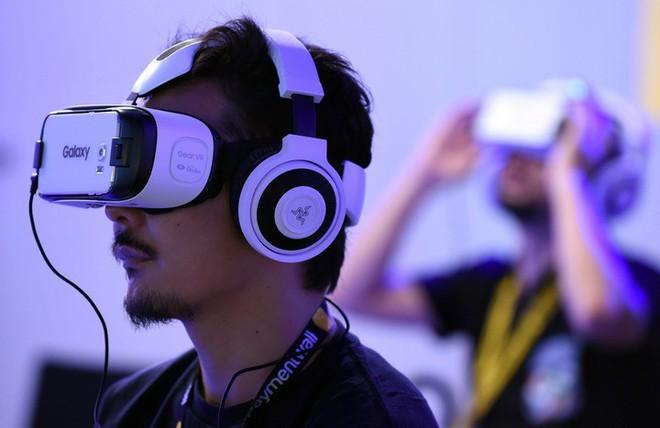 Qualcomm đang nghiên cứu giải pháp giúp kính VR và AR có thể hỗ trợ smartphone 5G - Ảnh 1.