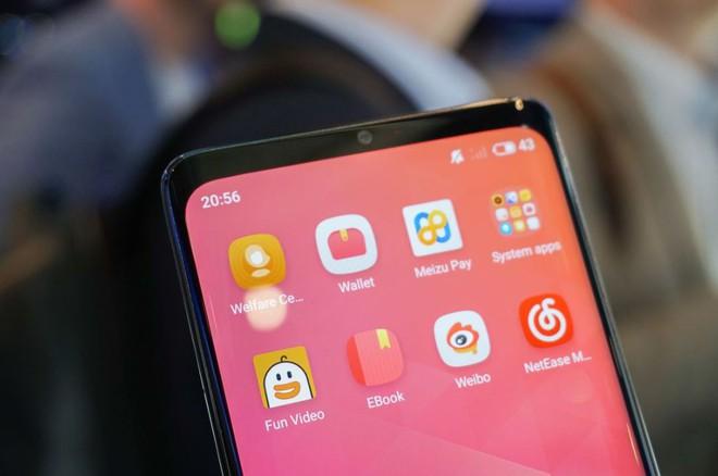 [MWC 2019] Chả ai thèm để ý tới chiếc smartphone không lỗ được Meizu đem ra trưng bày - Ảnh 2.