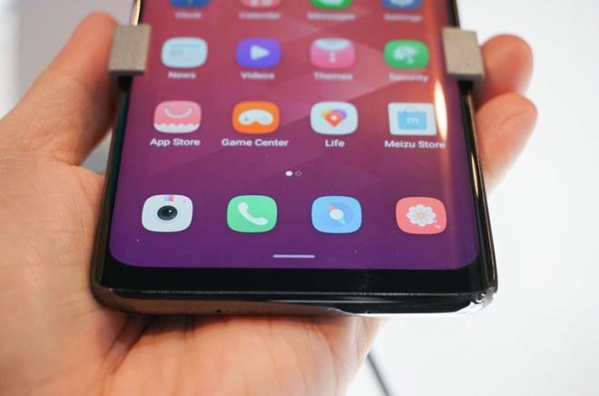 [MWC 2019] Chả ai thèm để ý tới chiếc smartphone không lỗ được Meizu đem ra trưng bày - Ảnh 3.