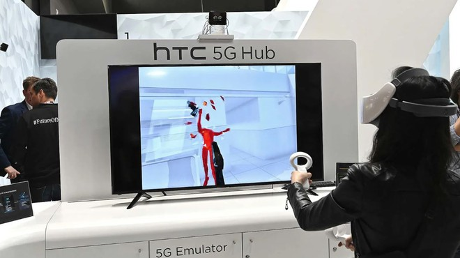 [MWC 2019] HTC làm điện thoại thì đã quá nhàm nhưng với cục phát 5G thì lại khác: cực kỳ sáng tạo - Ảnh 7.
