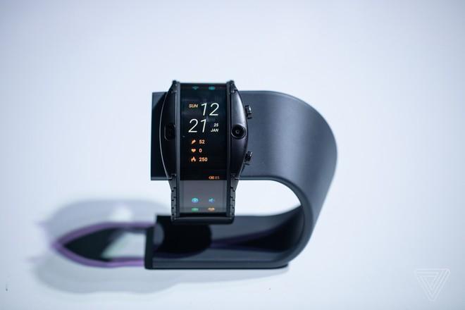 [MWC 2019] Nubia ra mắt smartphone màn hình gập có thể biến thành smartwatch, giá từ 12 triệu đồng - Ảnh 7.
