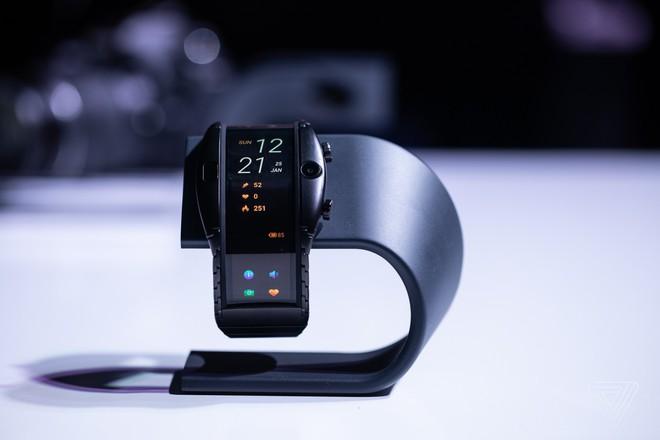 [MWC 2019] Nubia ra mắt smartphone màn hình gập có thể biến thành smartwatch, giá từ 12 triệu đồng - Ảnh 2.