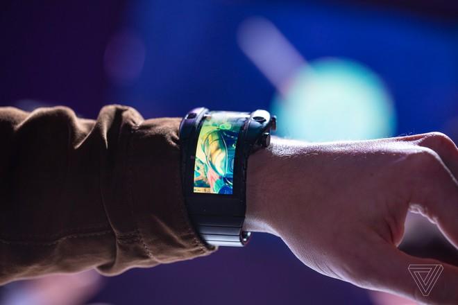 [MWC 2019] Nubia ra mắt smartphone màn hình gập có thể biến thành smartwatch, giá từ 12 triệu đồng - Ảnh 3.