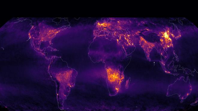 Đây không phải ánh đèn đô thị đâu, mà chính là khí thải phát ra bởi con người - Ảnh 3.